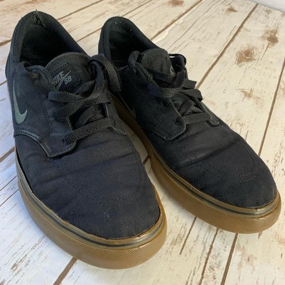 clon cubierta teléfono  Nike Shoes   Nike Sb Low Black Gum Sole   Poshmark
